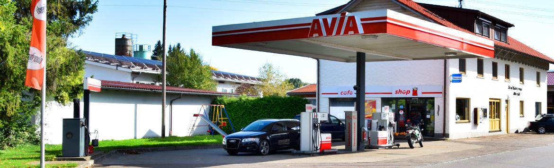 Tankstelle mit Shop: Kaffee 2 go, Zeitschriften und mehr in Legau im Allgäu